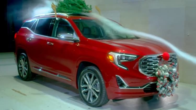 2018 GMC Acadia with 'Christmas Aero' modification gets in the wind tunnel