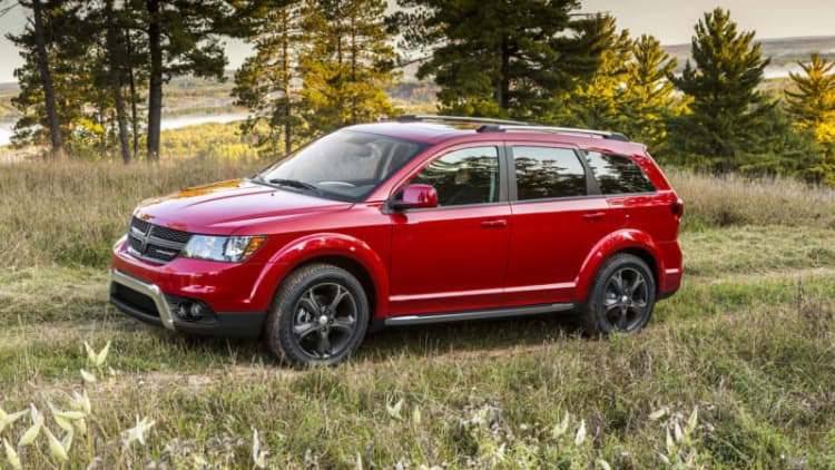 FCA recalls 894k total vehicles worldwide in two campaigns
