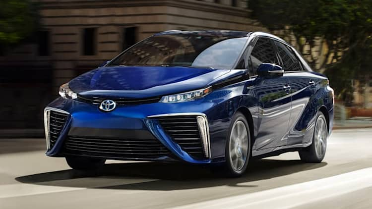 Toyota surpasses 3,000 Mirai fuel cell sedan sales