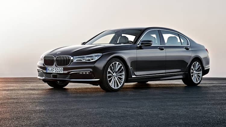 BMW recalls 2016 7 Series because airbags might not deploy
