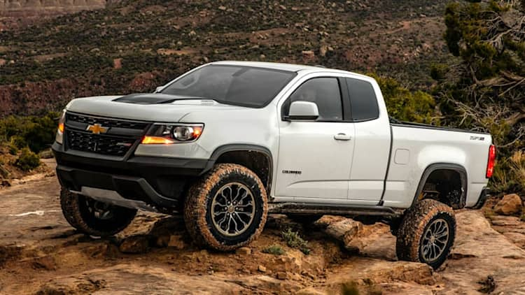 Likes the rocks | 2017 Chevrolet Colorado ZR2 First Drive