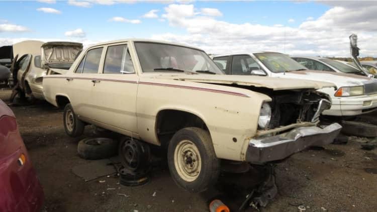 Junkyard Gem: 1968 Plymouth Valiant sedan