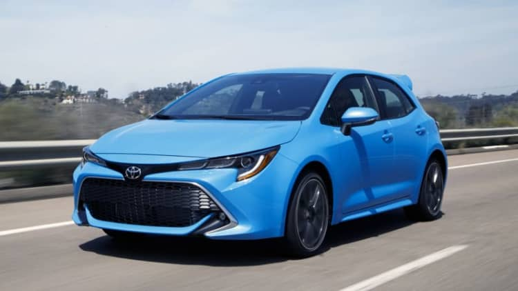2019 Toyota Corolla Hatchback First Drive Review | Corolla of a different color