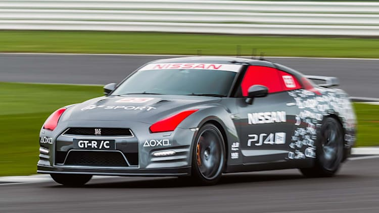 What it's like to drive a Nissan GT-R with a PlayStation controller