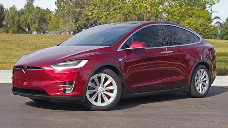 Couple say Daimler rented, then disassembled, their Tesla Model X