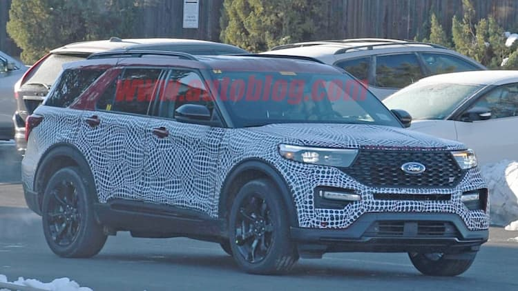 2020 Ford Explorer ST nearly revealed in spy photos