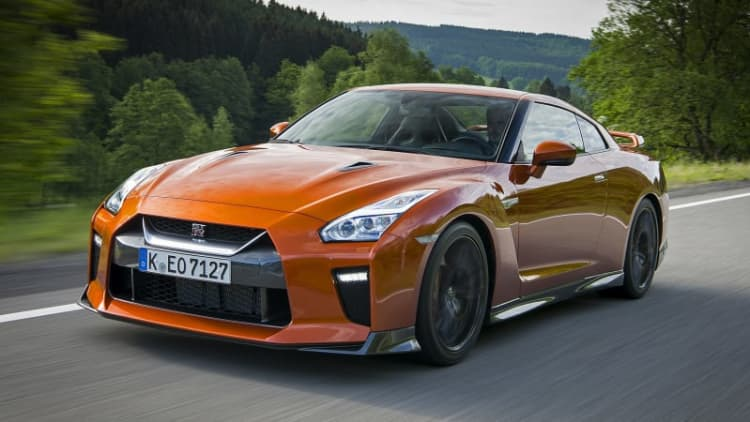 2017 Nissan GT-R Driver's Notes: Picking up pizza in a supercar