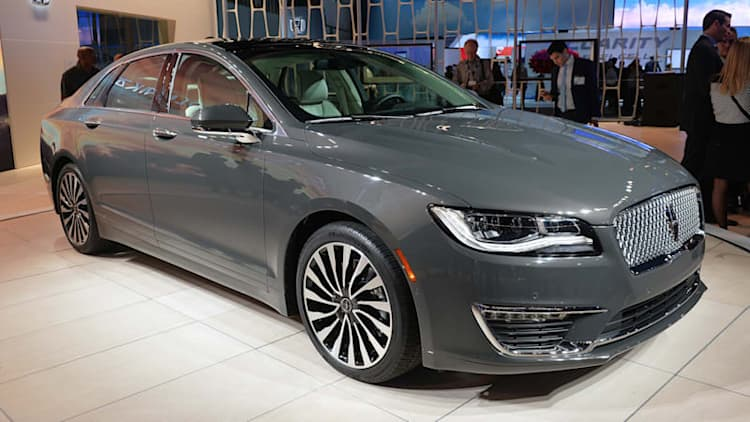 Lincoln revival bypasses rear-wheel drive for now