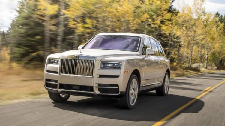 2019 Rolls-Royce Cullinan First Drive Review | $325,000 of monolithic serenity