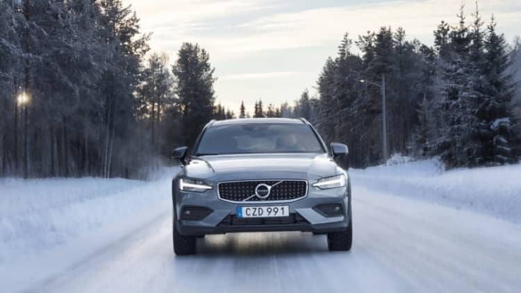 2020 Volvo V60 Cross Country First Drive   Crossing (and crashing) Arctic Sweden