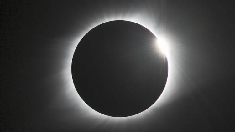 Eclipse casts shadow over car-theft suspect's day