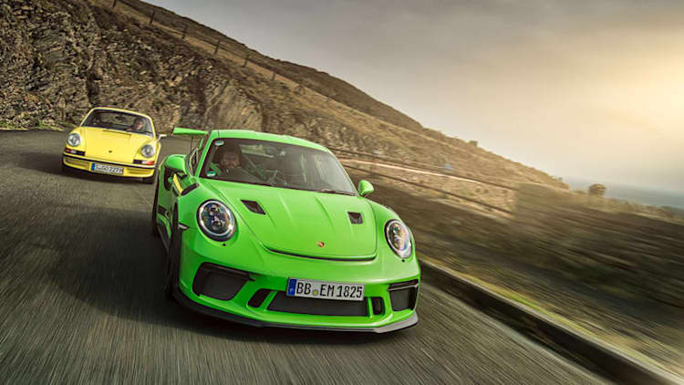 2019 Porsche 911 GT3 RS meets its parents at the Isle of Man