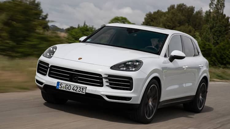2019 Porsche Cayenne E-Hybrid First Drive Review | Green, but not unseasoned