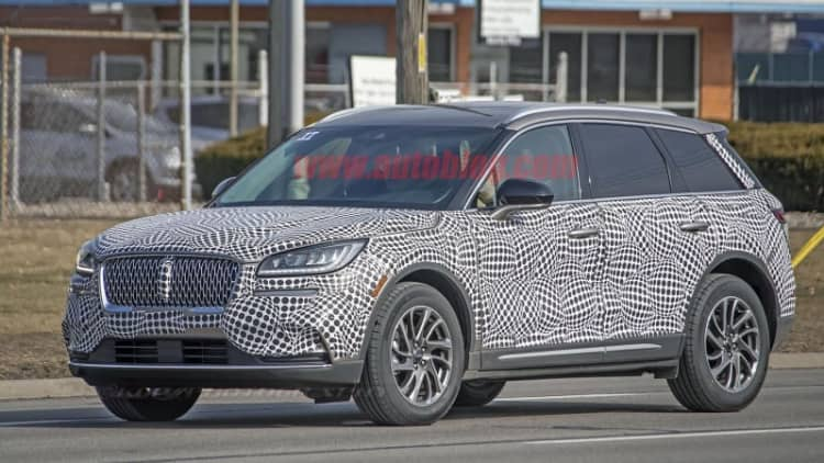 2020 Lincoln Corsair spied inside and out, ready to replace the MKC