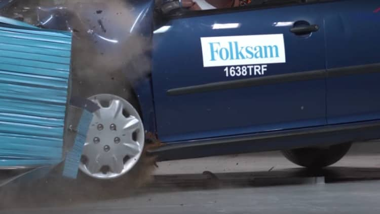 Crash test videos show how rust compromises safety