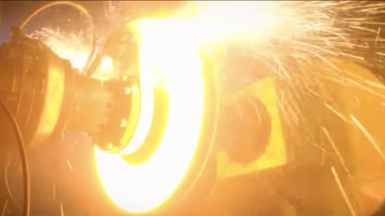 Bugatti speeds up testing on its 3D-printed titanium brake caliper