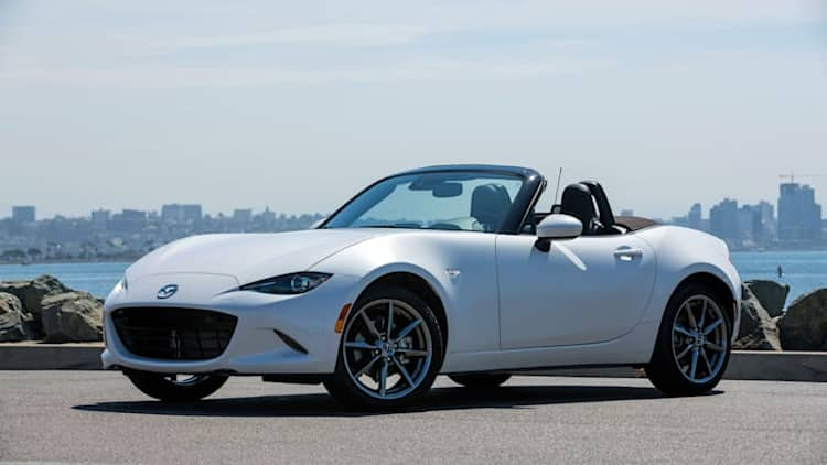 2019 Mazda MX-5 Miata First Drive Review | More power is the icing on top