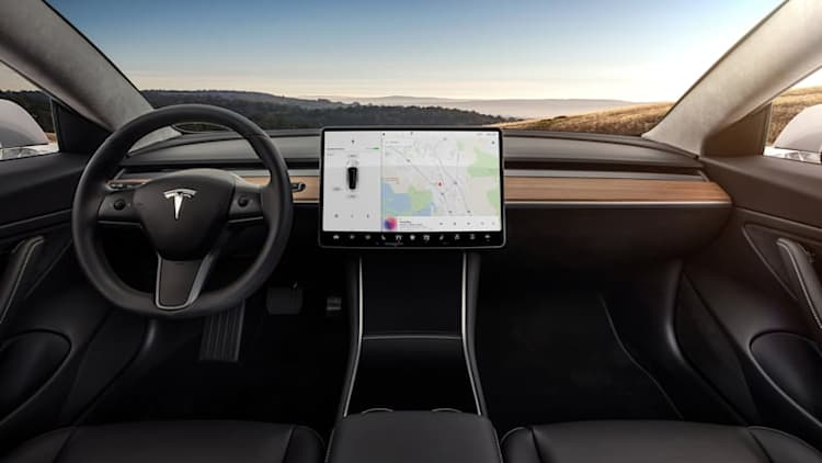 Tesla V9.0 to add classic Atari games, updated Autopilot, and more