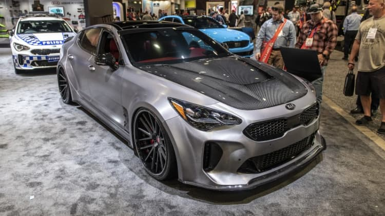 Kia teaming up with DUB to bring modified Stinger GT and K900 to SEMA