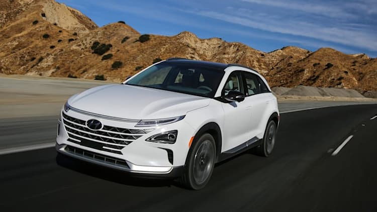 2019 Hyundai Nexo Quick Spin Review | A better hydrogen fuel cell crossover