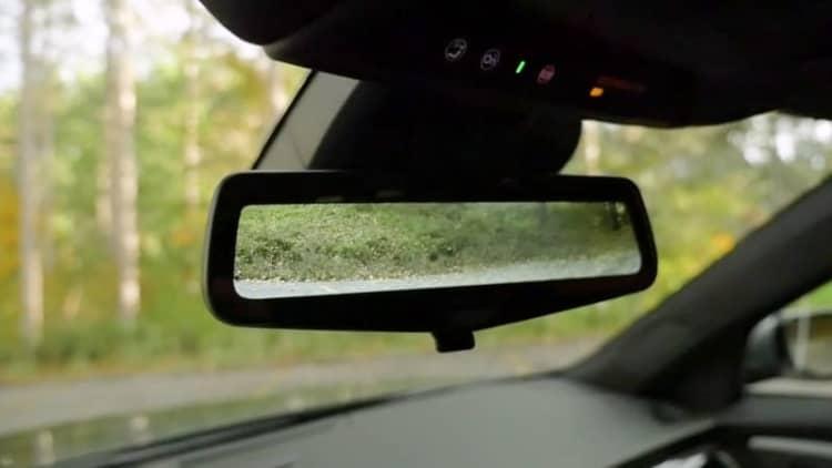 Cadillac Rear Camera Mirror   2017 Autoblog Technology of the Year Finalist