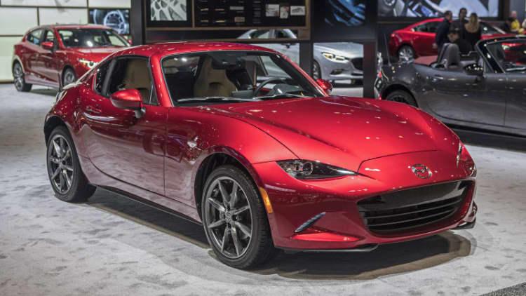 2018 Mazda MX-5 Miata and MX-5 Miata RF pricing announced