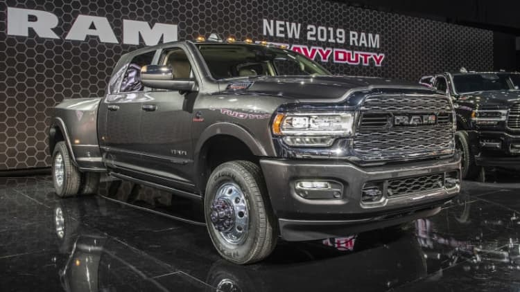 2019 Ram Heavy Duty gets new face, 1,000 lb-ft Cummins and the towing crown
