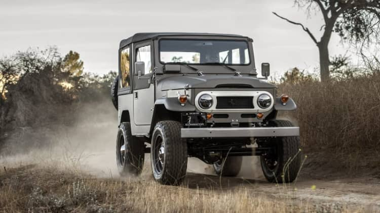 ICON FJ40 Old School Review | New tech, vintage aesthetic