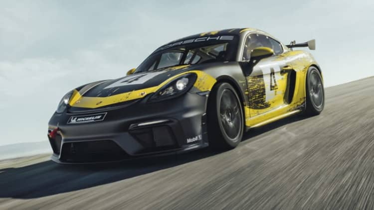 Porsche 718 Cayman GT4 Clubsport picks up power, hemp body parts