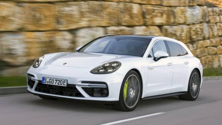 2018 Porsche Panamera Turbo S E-Hybrid Sport Turismo First Drive Review | Long name, astonishing quickness