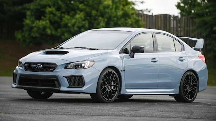 2019 Subaru WRX and WRX STI Series.Gray revealed, look a bit blue