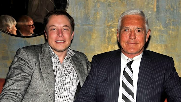 Bob Lutz: Buy a Tesla Model S 'while they're still available'