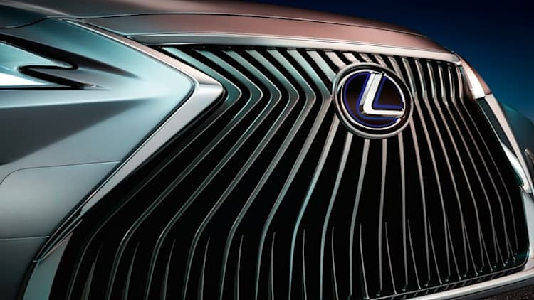 Lexus ES sedan (probably) teased ahead of Beijing debut