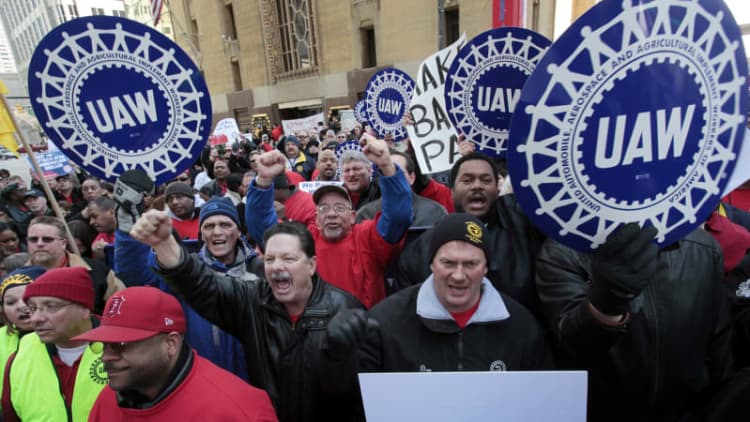 Feds accuse Fiat Chrysler, UAW of conspiring to break labor laws