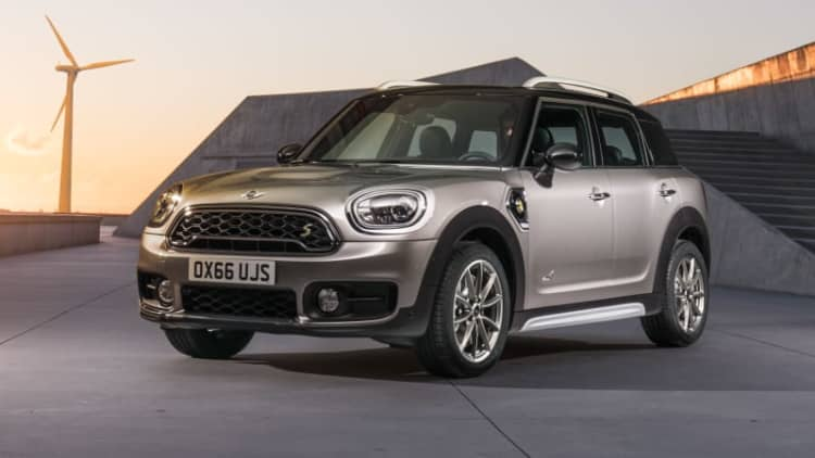 2018 Mini Cooper S E Countryman ALL4 Drivers' Notes Review | Plug and play