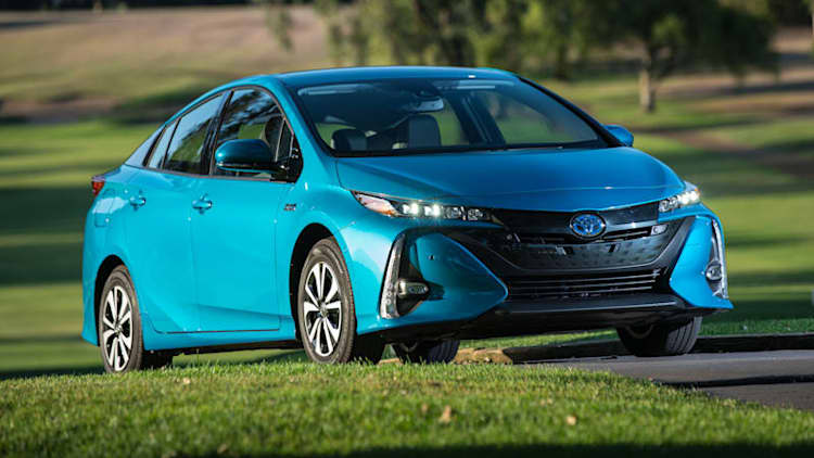 The techie choice | 2017 Toyota Prius Prime Quick Spin