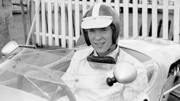 Dan Gurney, legendary all-American racer, dies at 86