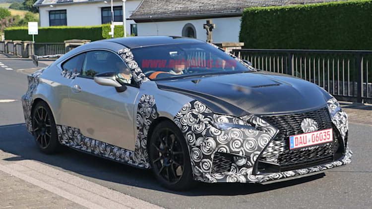 Hardcore Lexus RC F spied along with facelifted model