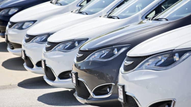 Chrysler recalls 162,000 Pacifica minivans over stalling fears