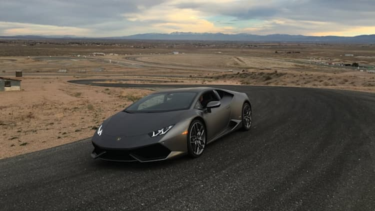 2016 Lamborghini Huracan at the Horse Thief Mile | AutoblogVR