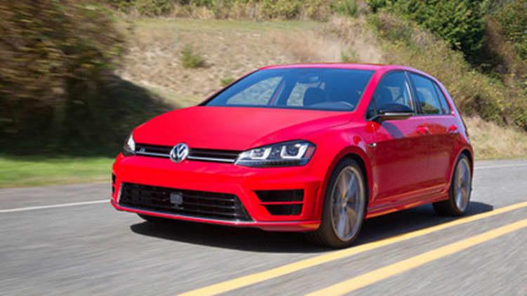 Volkswagen Golf match play: Golf R vs. GTI