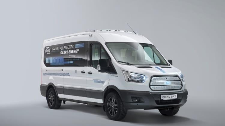 Ford Transit test van tries to solve an EV challenge: keeping people warm