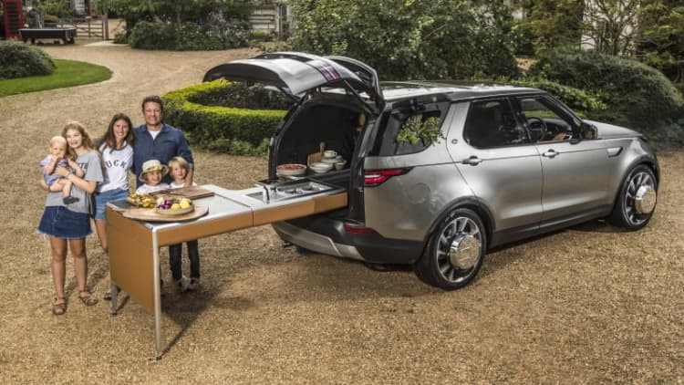 Jamie Oliver's Land Rover Discovery is the ultimate cooking machine