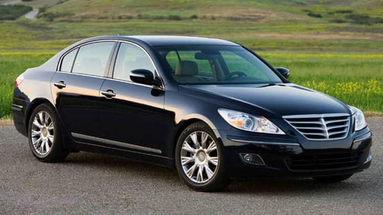 Hyundai recalls 43k Genesis and Equus models for faulty lighting