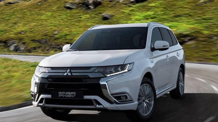 Mitsubishi Outlander PHEV gets major powertrain updates, Geneva reveal