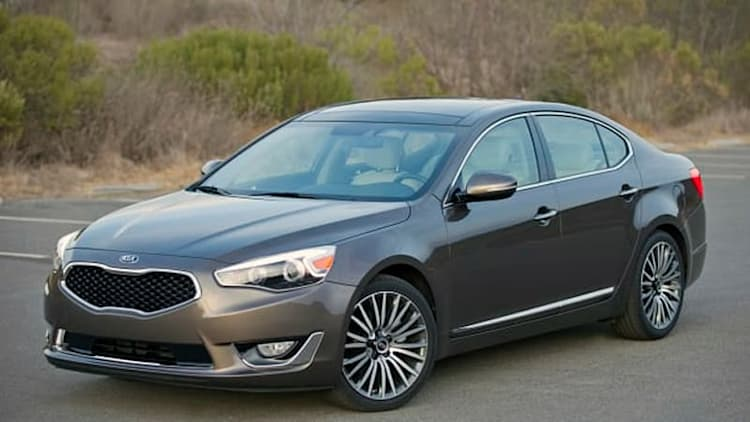 Kia recalls 2014 Cadenza over wheel fractures