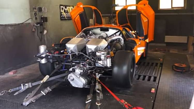 2,200-HP Saleen S7 is a goosebump generator on the dyno