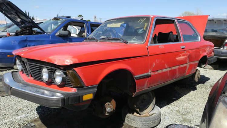 Junkyard Gem: 1977 BMW 320i