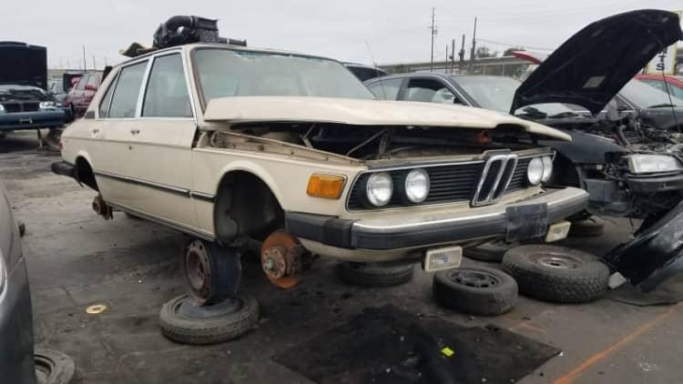 Junkyard Gem: 1980 BMW 528i