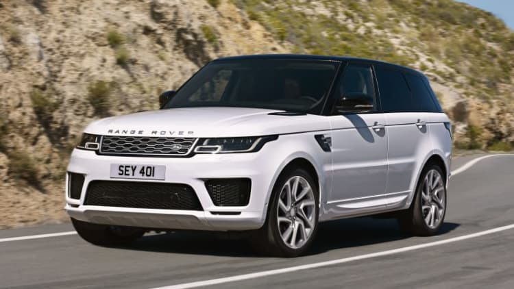 Refreshed Range Rover Sport brings plug-in hybrid version, more powerful SVR